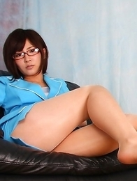 Kaede Oshiro with specs and hot ass rubs twat with thong